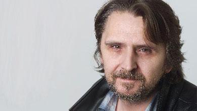 """Hansi Lang ist österreichischer Musiker und Schauspieler. In diesem Jahr soll der zweite Tonträger seines Projekts """"Slow Club"""" erscheinen. - hansilang_Ernst_Kainerstorf"""
